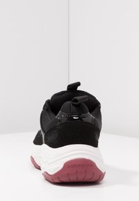 Calvin Klein Jeans - MAYA - Matalavartiset tennarit - black - 5