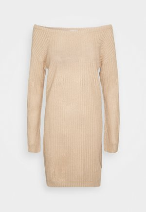 AYVAN OFF SHOULDER JUMPER DRESS - Vestido de punto - sand
