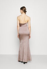 Nly by Nelly - PUT ON A SHOW STRAP GOWN - Galajurk - nougat - 2