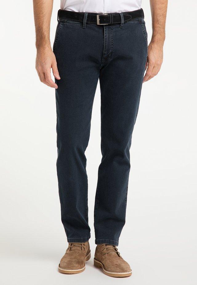 ROBERT MEGAFLEX - Straight leg jeans - rinsed denim