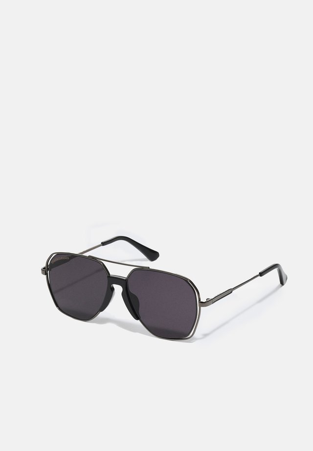 KARPHATOS WITH CHAIN UNISEX - Okulary przeciwsłoneczne - gunmetal/black