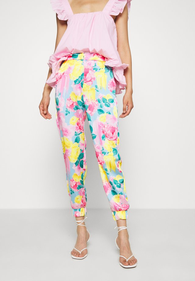 AVENUECRAS PANTS - Pantaloni - multi-coloured