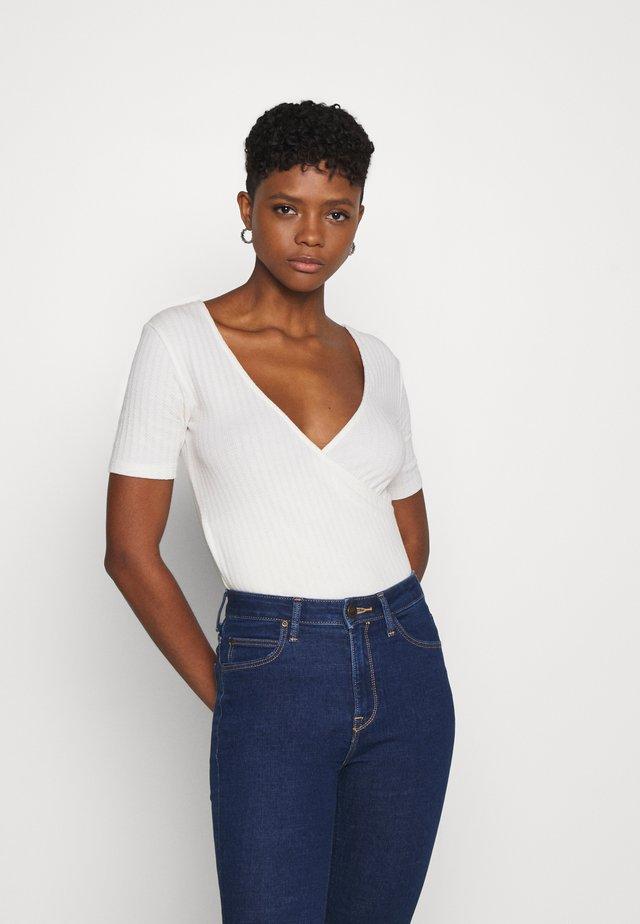 WRAP TEE - T-shirt print - ecru