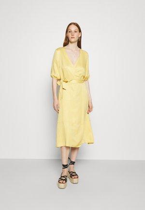 DRESS HALLE - Robe d'été - jojoba