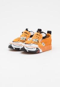 Vans - WILD TIGER UNISEX - Trainers - orange - 1