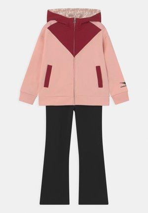 TWINKLE SET UNISEX - Verryttelypuku - veiled pink