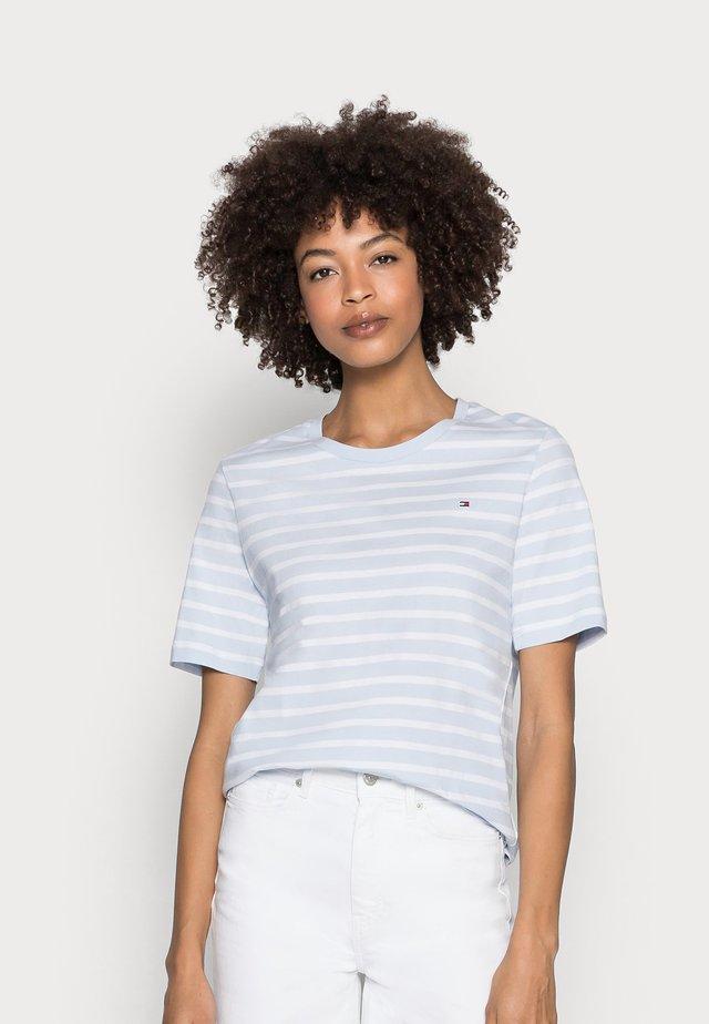 REGULAR - Print T-shirt - blue