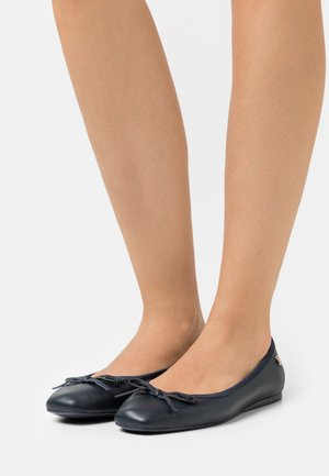 ESSENTIAL SQUARE TOE  - Ballet pumps - desert sky