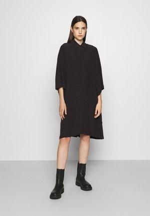 DAPHNE - Sukienka koszulowa - black/dark grey