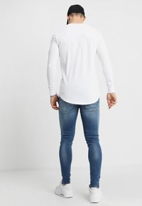 Gym King - DISTRESSED - Jeans Skinny Fit - mid wash blue - 2