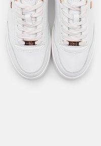 Mexx - FIEKE - Sneaker low - white - 5