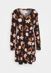 VMBETTY SHORT DRESS - Denní šaty - black