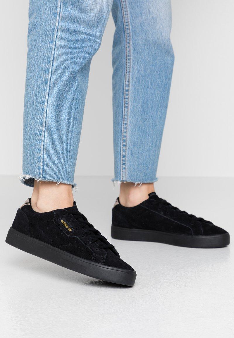 adidas Originals - SLEEK - Sneakers - core black
