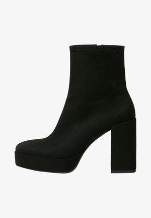 MIT ABSATZ - Kotníková obuv na vysokém podpatku - black