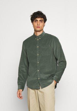 CORDUROY SHIRT - Shirt - green