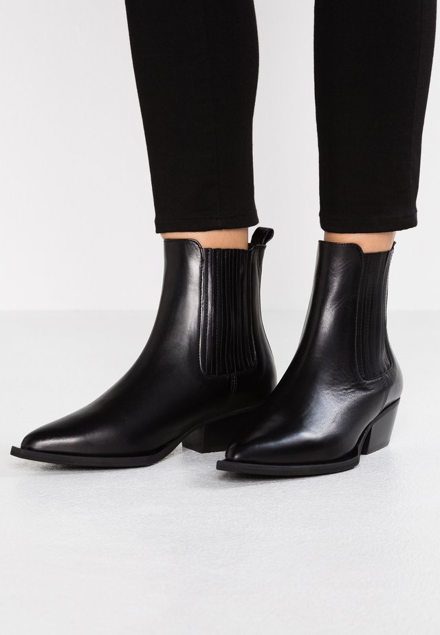 LONDON - Cowboy/biker ankle boot - black