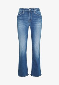 MID RISE CROP FLARE - Jeansy Dzwony - mid blue