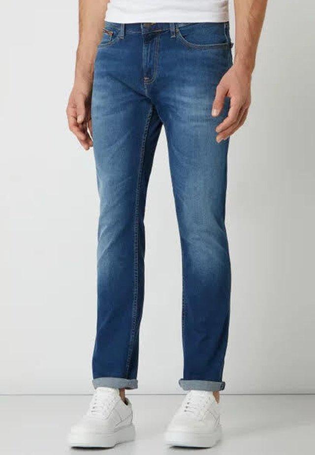 SCANTON SLIM WMBS - Slim fit jeans - wilson mid blue stretch