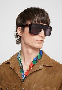 Gucci - Sluneční brýle - havana/grey - 1