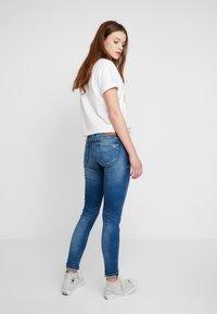 Tommy Jeans - SOPHIE LOW RISE - Jeans Skinny - blue denim - 2