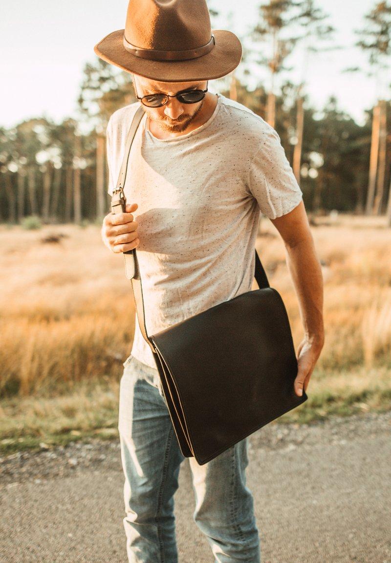 Gusti Leder - Laptop bag - dark brown