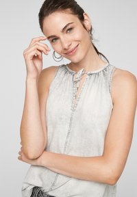 QS by s.Oliver - Top - grey - 4
