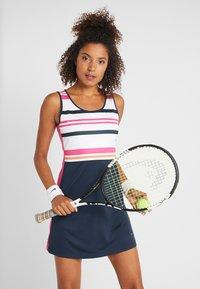 Fila - DRESS AUDREY - Sportovní šaty - peacoat blue/fuchsia purple - 0