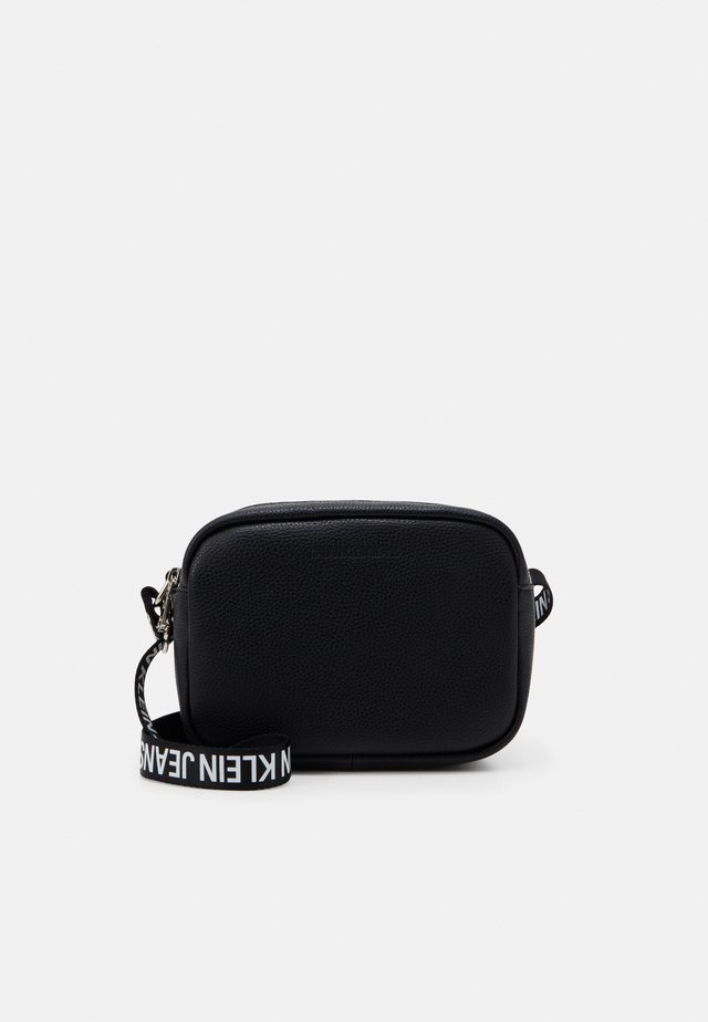 DOUBLE ZIP CAMERA BAG - Across body bag - black