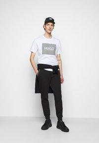 HUGO - Print T-shirt - white - 1
