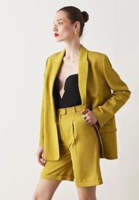 Ipekyol - Short coat - green - 4