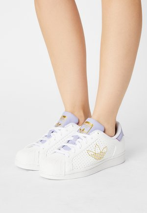SUPERSTAR - Zapatillas - white/dust purple/gold metallic