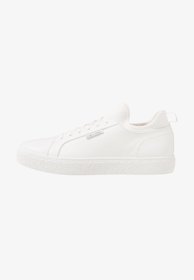 EDWYN LOW TOP LACE UP - Trainers - white