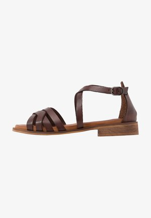 CALA - Sandály - brown