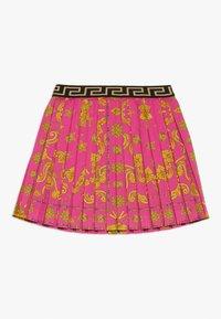 Versace - GONNA - Áčková sukně - fuxia - 1