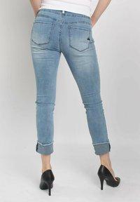 Buena Vista - TUMMYLESS  - Slim fit jeans - blue - 2