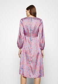 Closet - V NECK PUFF SLEEVE DRESS - Day dress - pink - 2