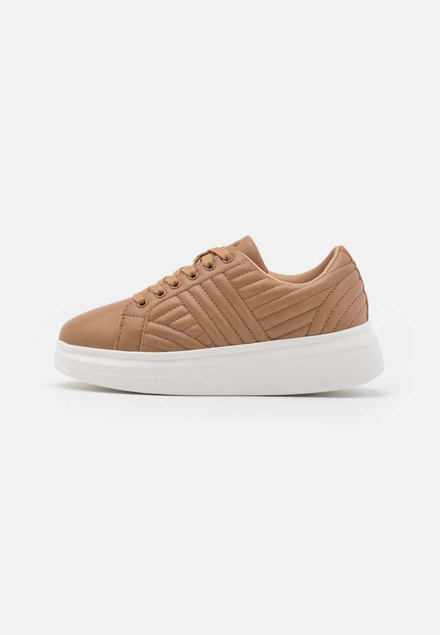 QUILTED - Sneaker low - beige