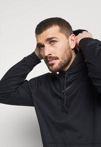 Nike Performance - Luvtröja - black/iron grey - 3