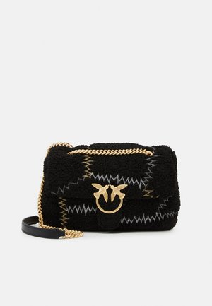 LOVE CLASSIC PUFF FURRY CLECOMONTONE RICAMO PATCH - Sac bandoulière - black