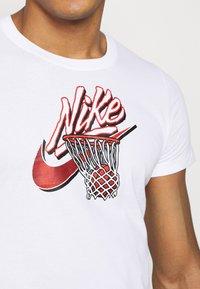 Nike Performance - DRY TEE - Print T-shirt - white - 5