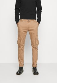 TOM TAILOR - Cargo trousers - dusty caramel brown - 0