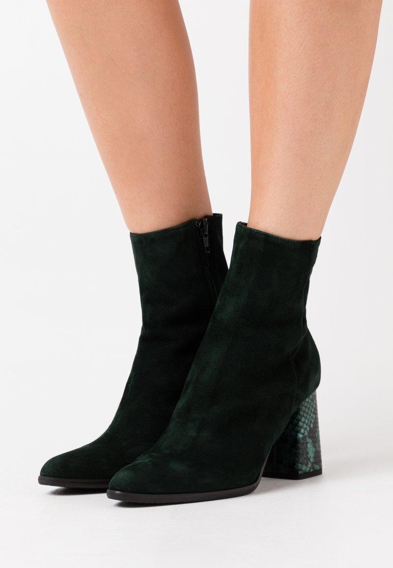 Alberto Zago - Classic ankle boots - dark green