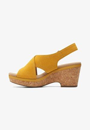 Peeptoes - yellow