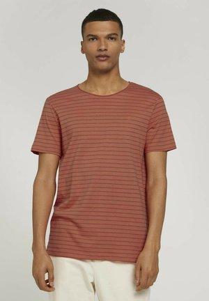 Print T-shirt - lobster ornage tonal stripe
