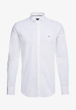 TUX WING COLLAR SLIM FIT - Košile - white
