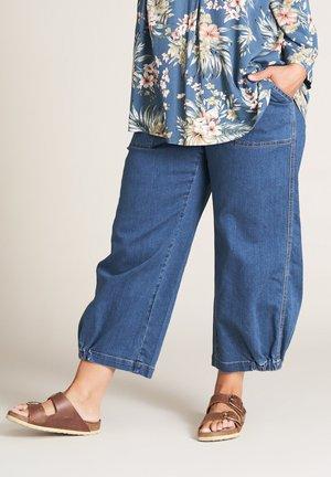 CLARA - Straight leg jeans - denim blue