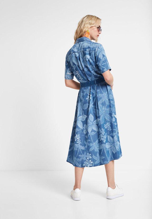 KATE - Denimové šaty - blue