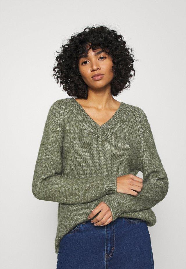 ONLBENIN V NECK - Pullover - hedge green melange