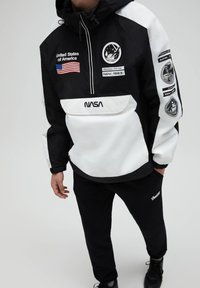 PULL&BEAR - NASA - Windbreaker - white - 3
