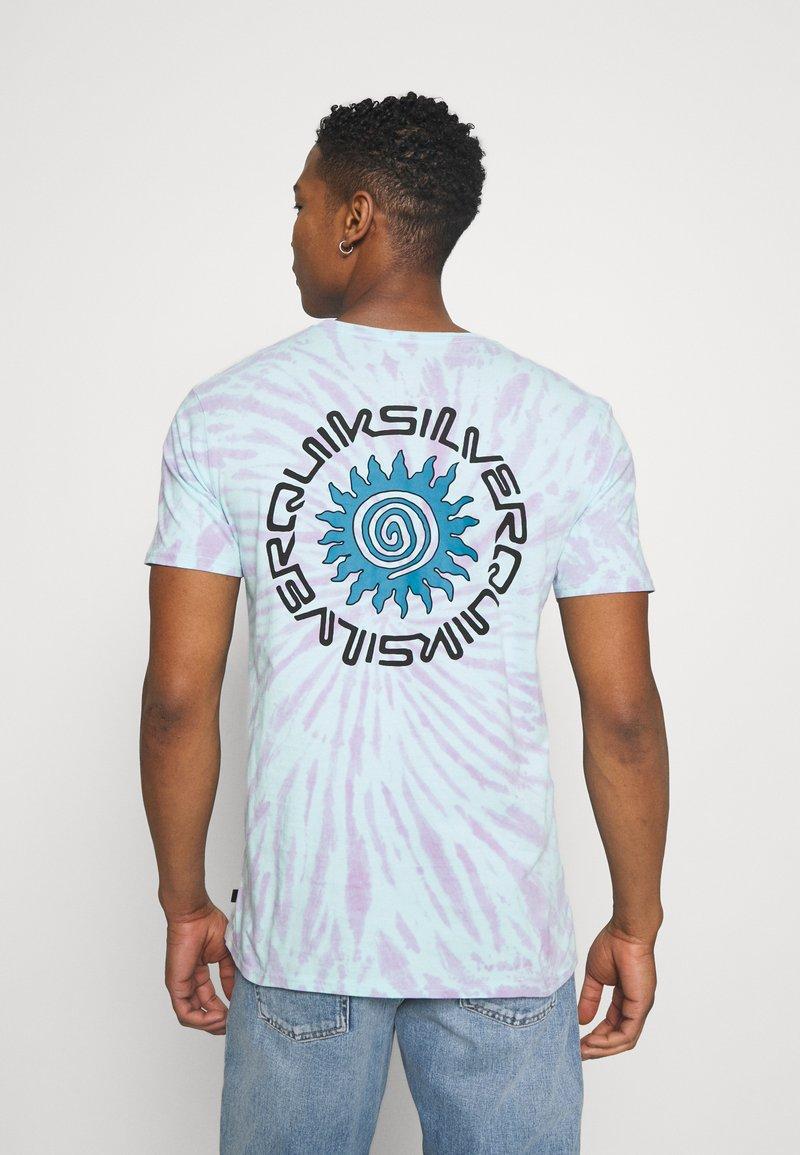 Quiksilver - SLOW LIGHT - Print T-shirt - blue tint